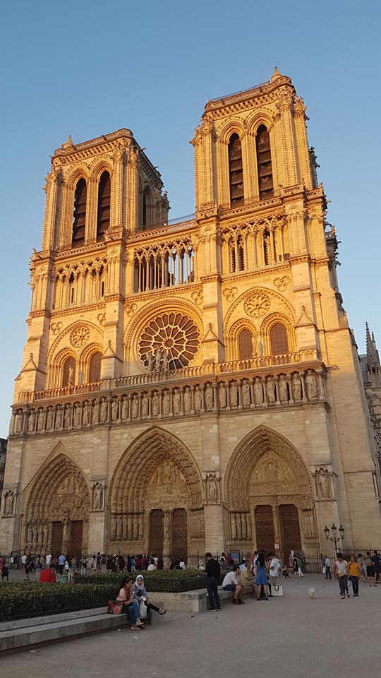 Viajem de Férias - Paris - Catedral de Notre-Dame - Emilly Evelyn